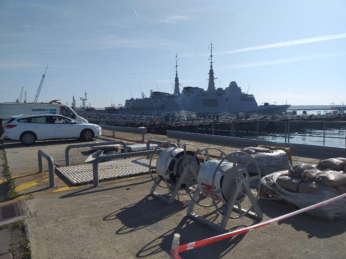 [Les ports militaires de métropole] Port de BREST - TOME 3 - Page 10 916