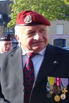 Du nouveau pour les anciens Marins (hors commandos) sur la tenue lors des cérémonies patriotiques - Page 7 Beret_10