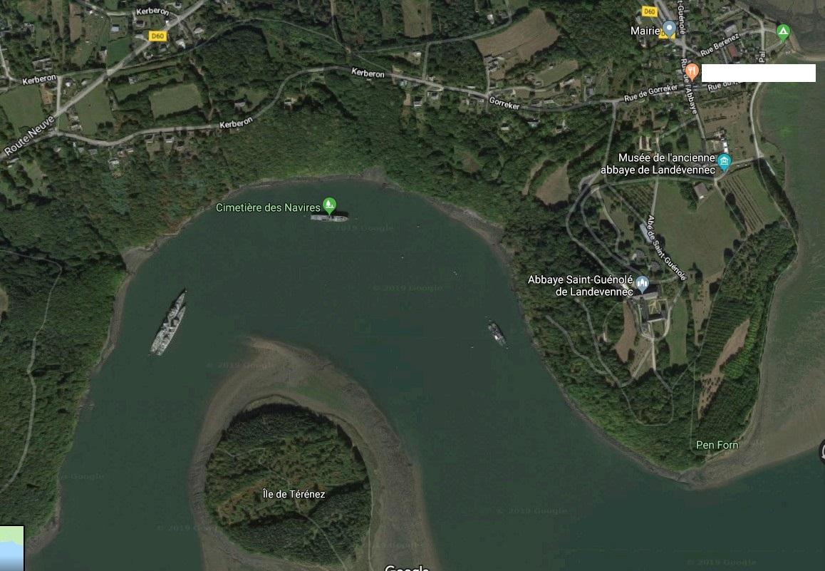 [Le cimetière des bateaux et du patrimoine de la Marine] Le cimetière de LANDEVENNEC - Page 28 Landev10