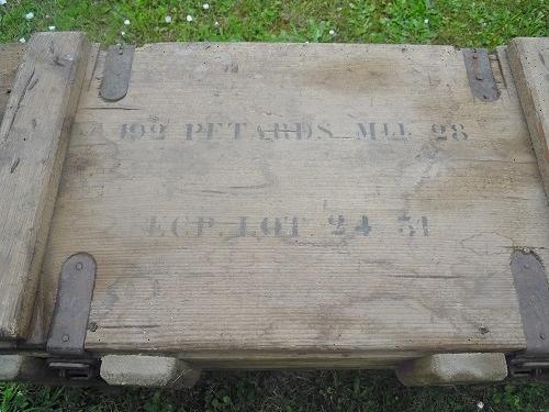 Le pétard de cavalerie et sa boite de détonateurs Dscn8411