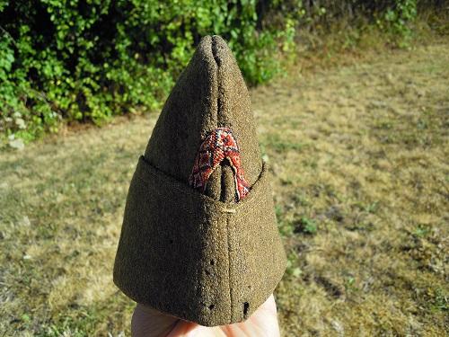 Un bonnet de police modèle 18 avec une particularité sympa  Dscn9426