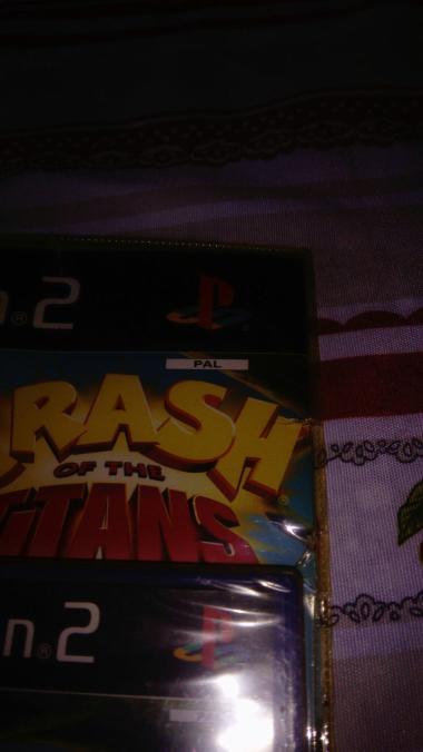Vends plein de jeux sous blister Crash_23