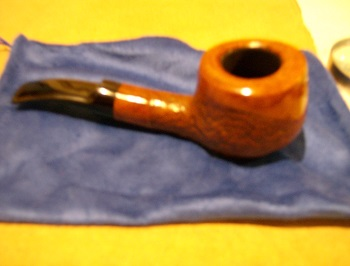 Just received a (new to me) estate pipe Royal_10