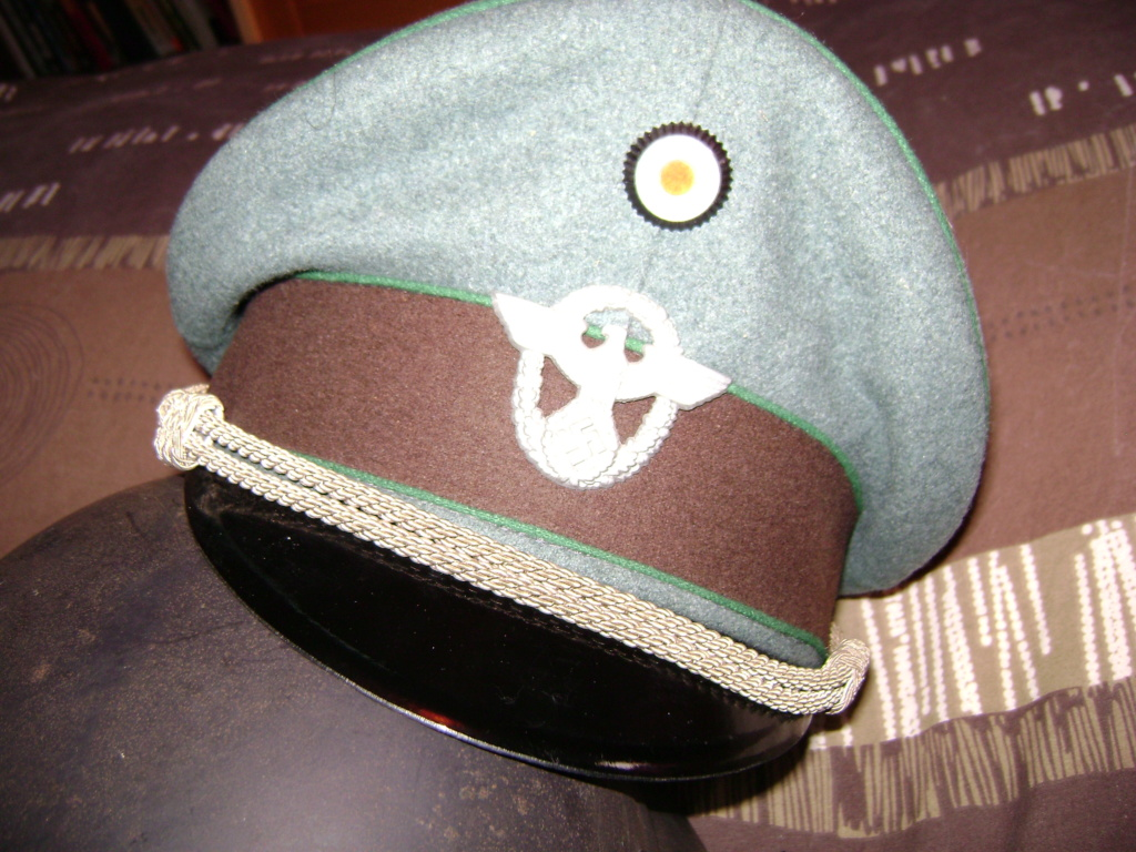 Casquette officier WH liseré vert Dsc06110