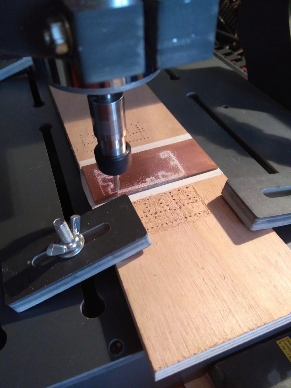 Realisation de circuit imprimé avec routeur Mach3 Img_2011
