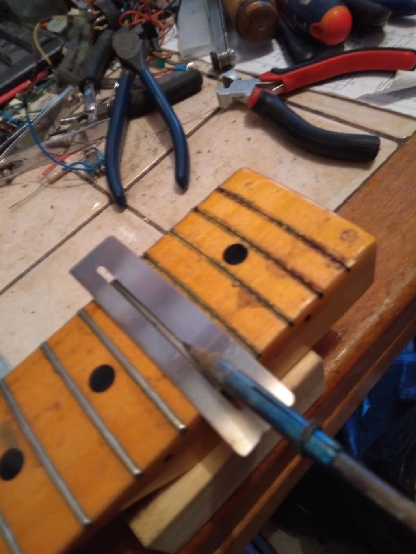 Dessiner les frettes sur une touche de guitare ayant un radius Img_2014