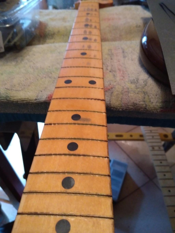 Dessiner les frettes sur une touche de guitare ayant un radius Img_2020