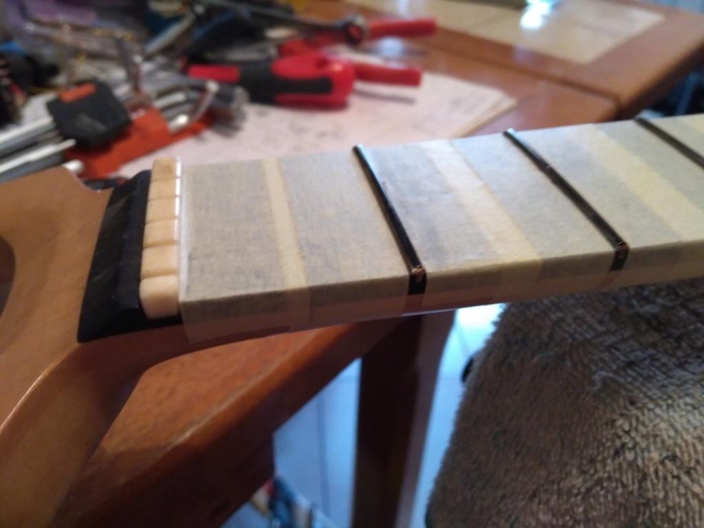 Dessiner les frettes sur une touche de guitare ayant un radius Img_2025