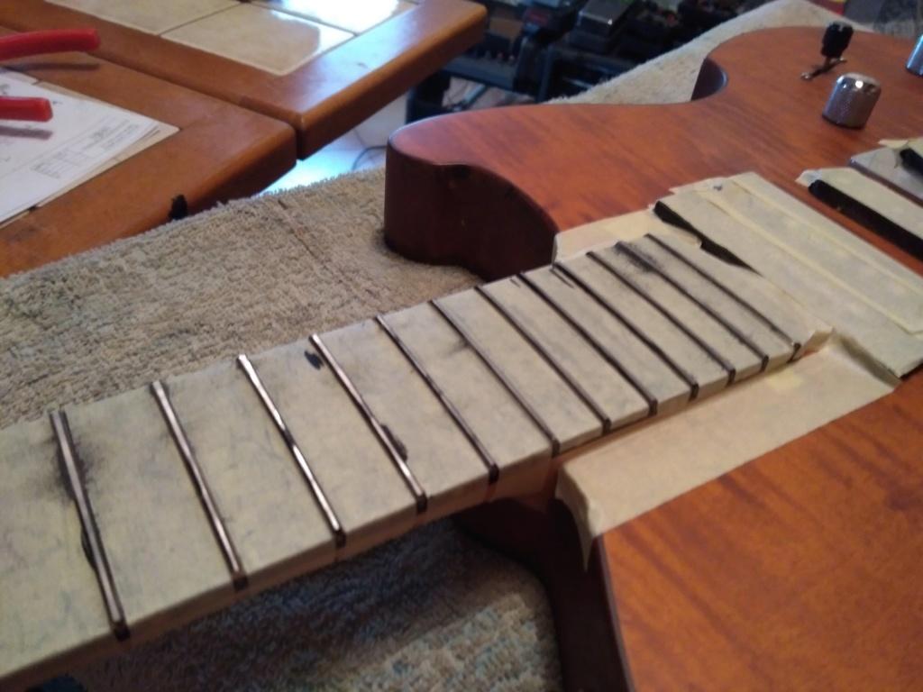 Dessiner les frettes sur une touche de guitare ayant un radius Img_2028