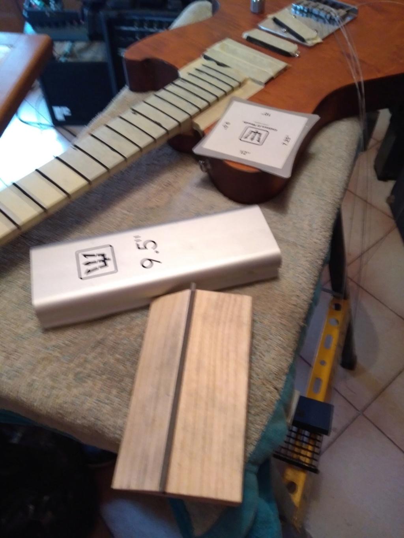 Dessiner les frettes sur une touche de guitare ayant un radius Img_2029