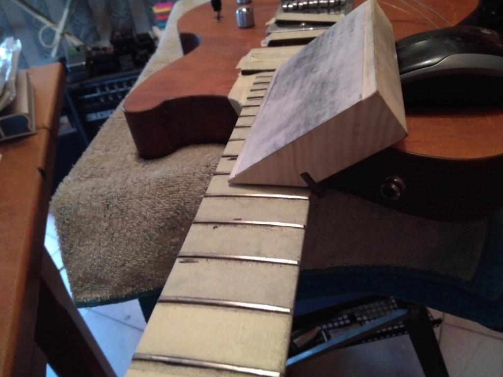 Dessiner les frettes sur une touche de guitare ayant un radius Img_2031