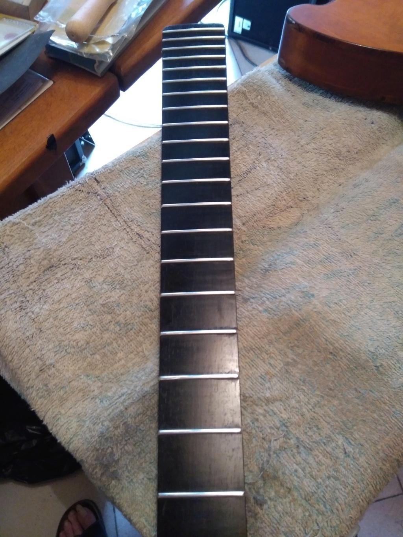 Dessiner les frettes sur une touche de guitare ayant un radius Img_2036