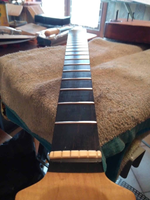 Dessiner les frettes sur une touche de guitare ayant un radius Img_2038