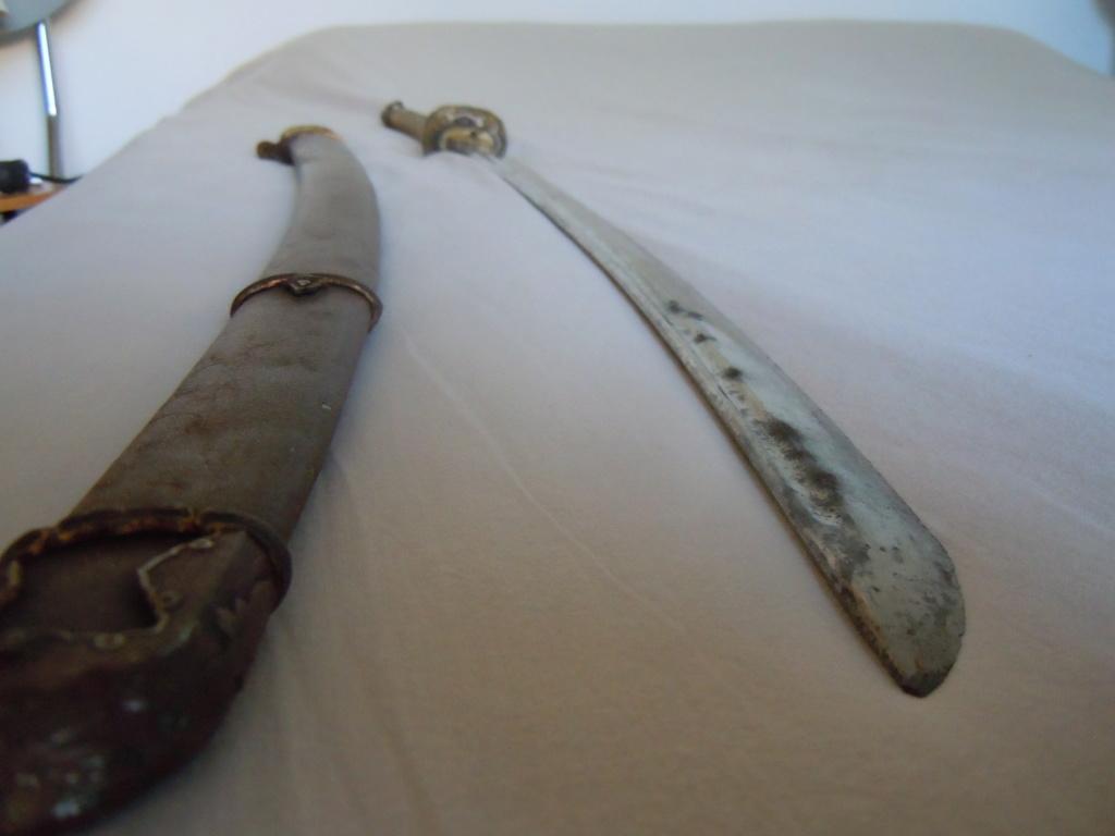 Sabre japonais datant de la guerre d'Indochine Dscn6218