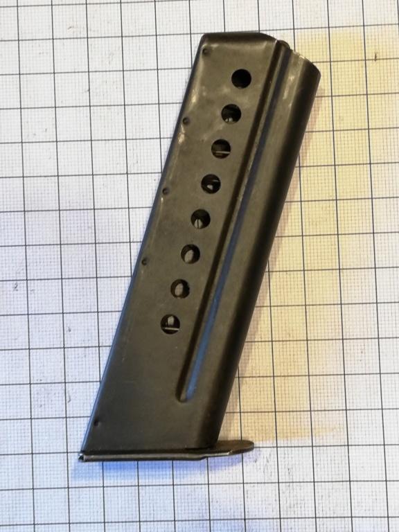 encore un chargeur de pistolet.... Img_2054