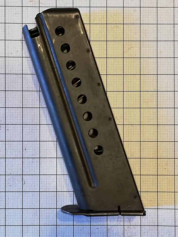 encore un chargeur de pistolet.... Img_2057
