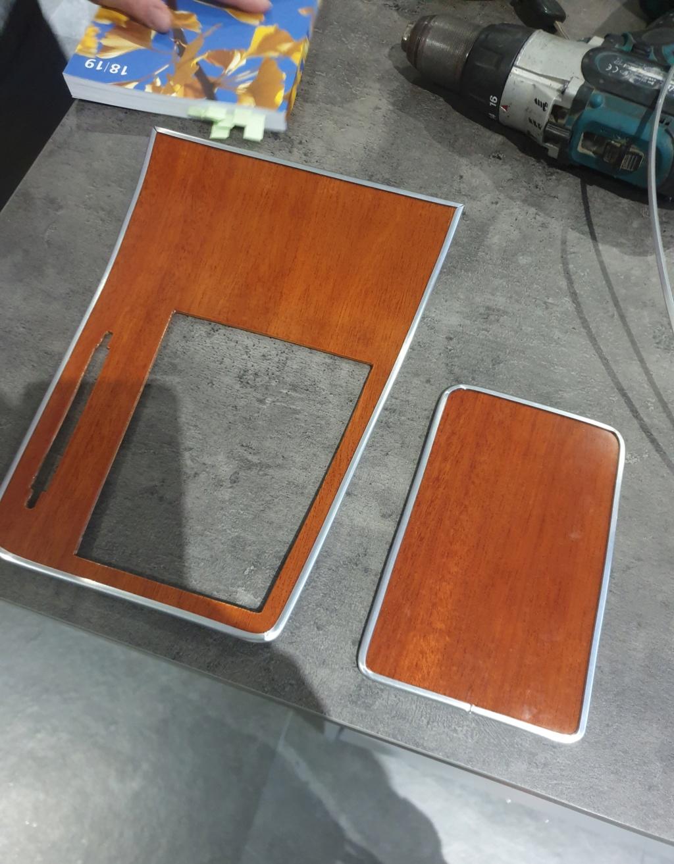 Essence du bois de plaquage tableau de bord GTV 2000 Consol10
