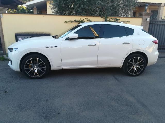 Maserati Levante  640x4814