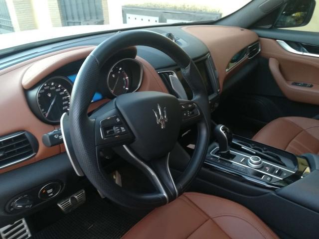 Maserati Levante  640x4820
