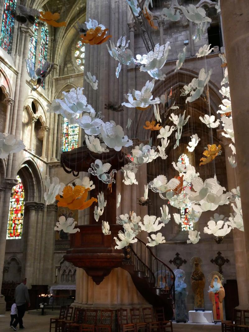 Lumières célestes de Marcoville (église st julien tours 37) P1040327