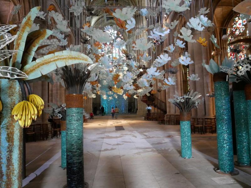 Lumières célestes de Marcoville (église st julien tours 37) P1040328