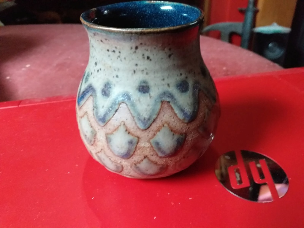 Printed pottery mark on small vase, Cornish flag mark? Img-2014