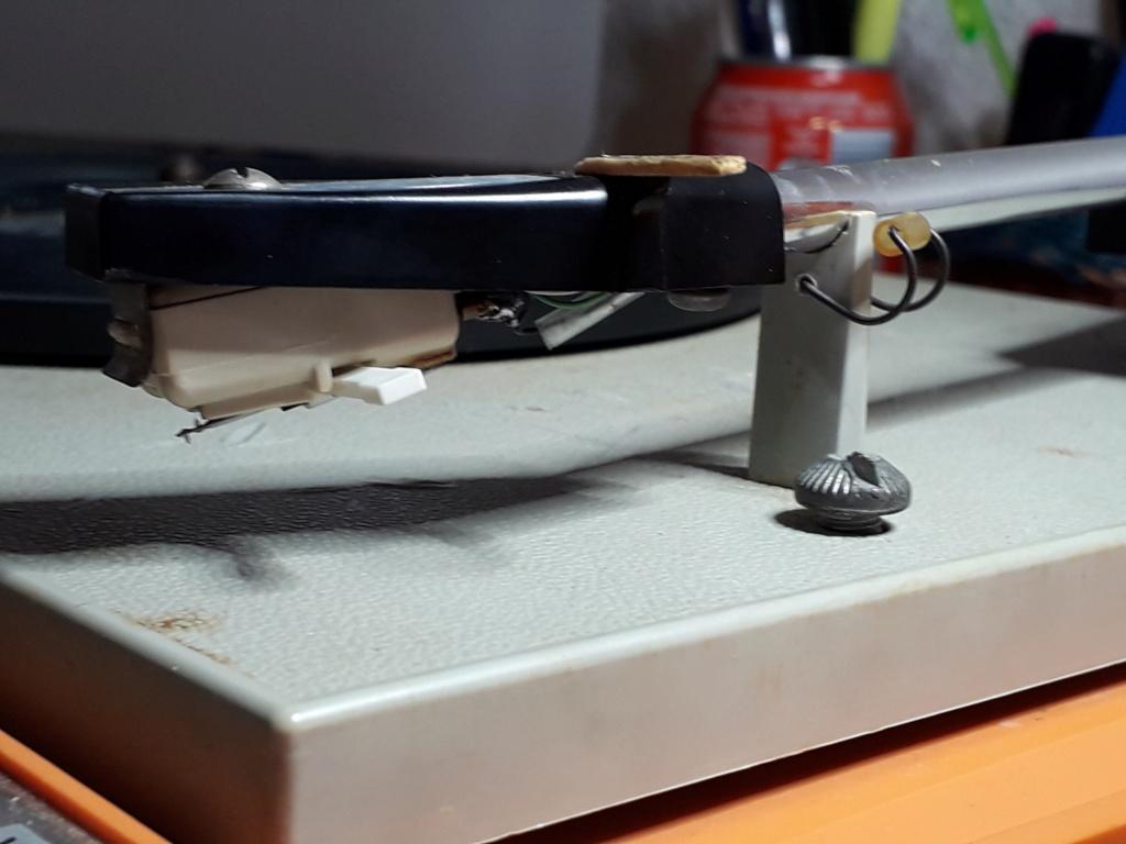 ¿Qué inclinación debe tener la cápsula de un tocadiscos? 410