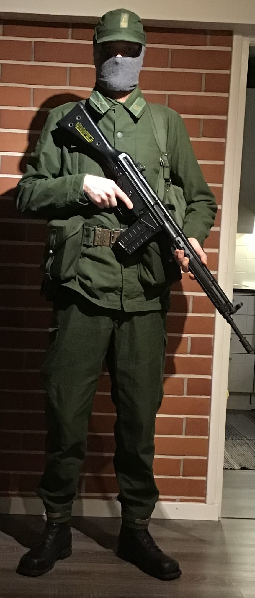 Swedish infantry soldier mid 1980s F87d7010