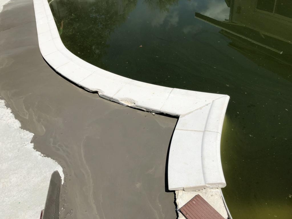 recherche margelles pour piscine Valérie 9-1 KC E2 avec Escalier Escaform Premium Img_1410