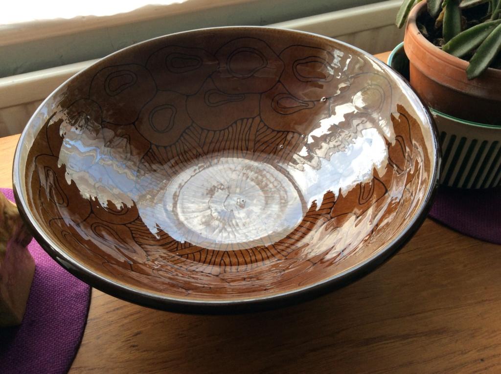 Large Bowl Stamped UE mark but is it Upsala Ekeby? 4f694610