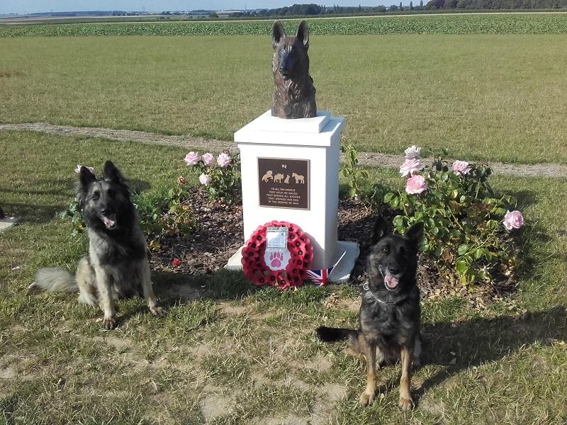 Stèle pour les chiens de la Marine Nationale 20180710