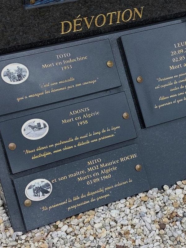 Stèle pour les chiens de la Marine Nationale 411