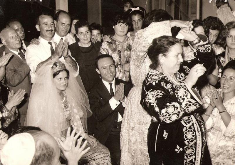 SOIR DU HENNE AVEC  LA KESOUA EL KBIRA (grande robe en arabe) 10-8-610