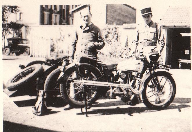les motos des motocyclistes ..  Img_0029