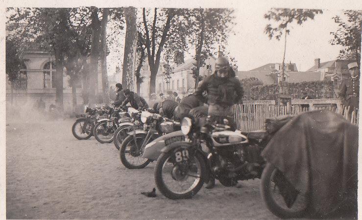 les motos des motocyclistes ..  Img_0032