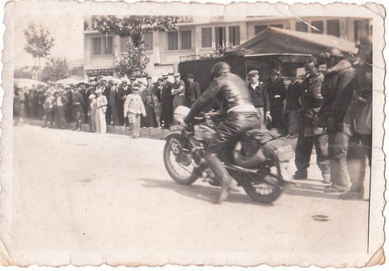 les motos des motocyclistes ..  Img_0034