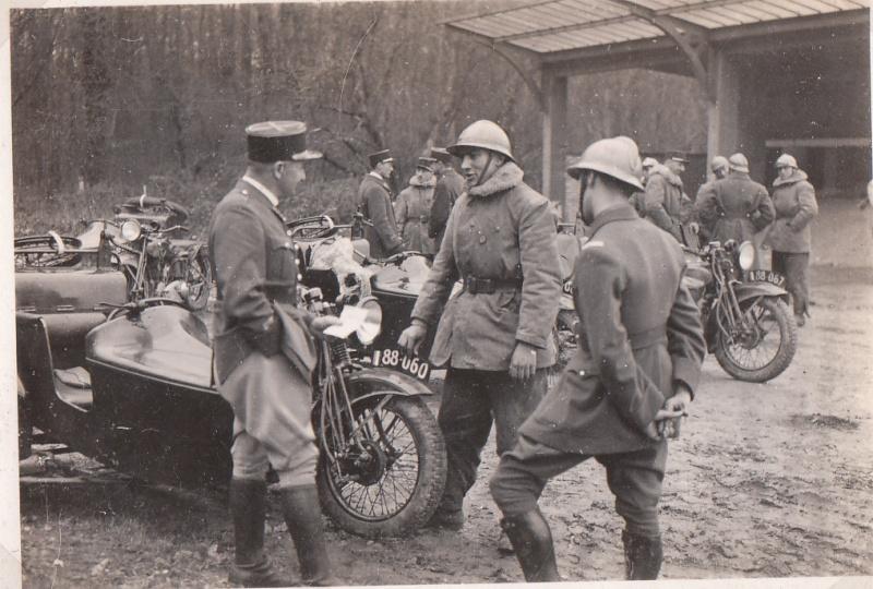 les motos des motocyclistes ..  Img_0035