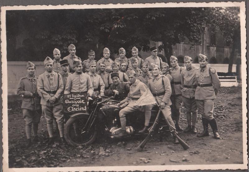 les motos des motocyclistes ..  Img_0037