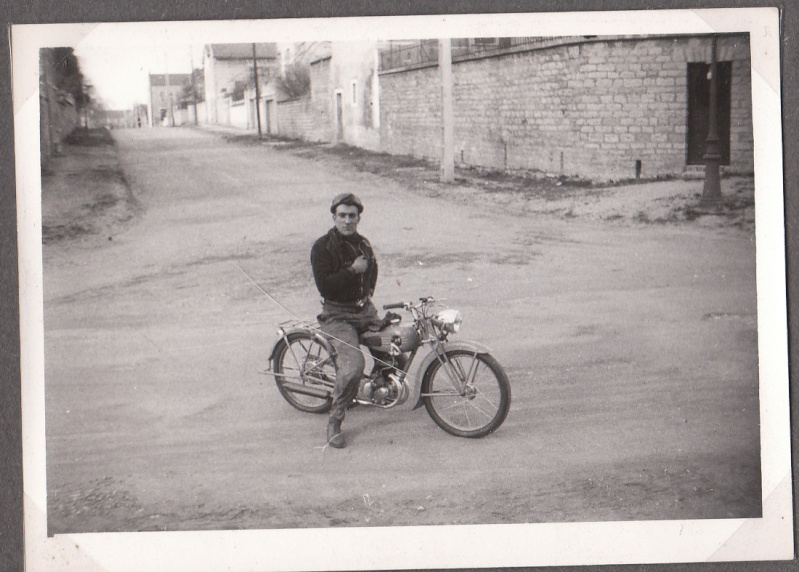 les motos des motocyclistes ..  Img_0051
