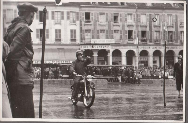 les motos des motocyclistes ..  Img_0055