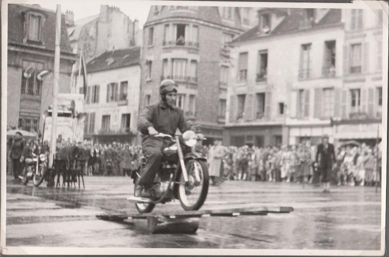 les motos des motocyclistes ..  Img_0056