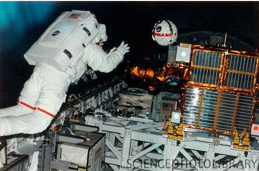 """""""Photo de famille"""" Photo d'ISS avec une navette arrimée. - Page 4 Aer_ca10"""