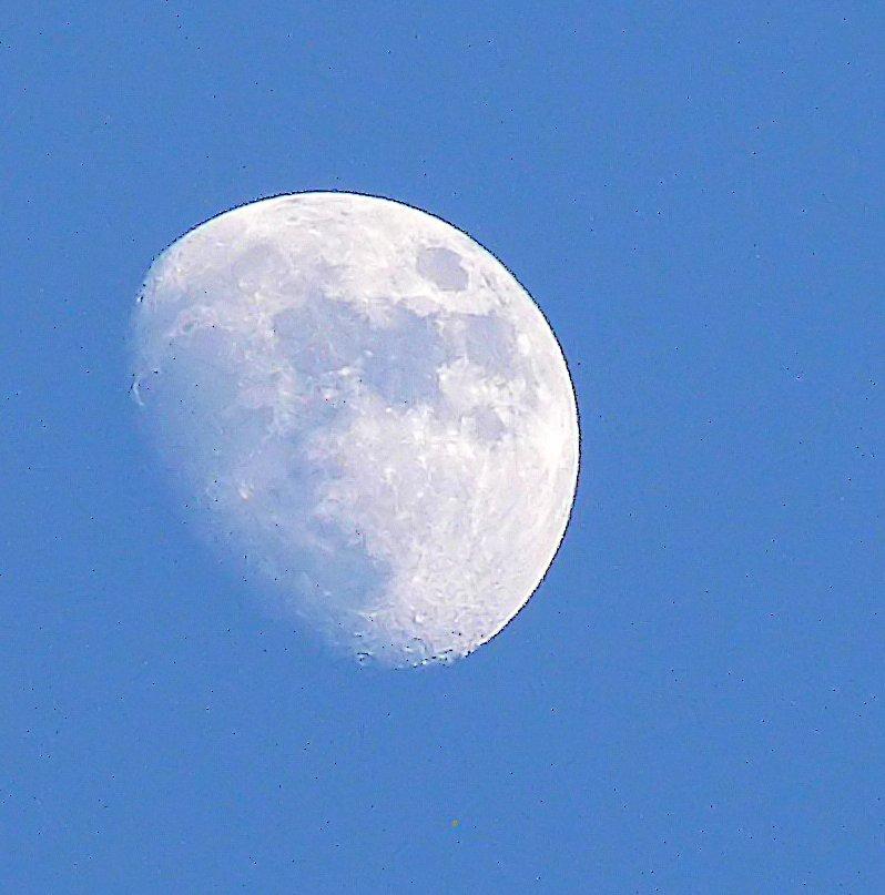 lune en plein jour Luneaa10