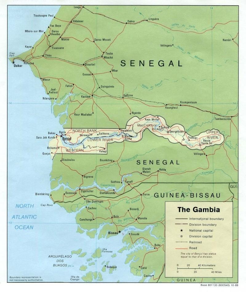 Histoires de frontières - Page 5 Gambia10