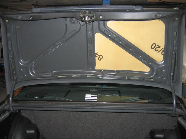 [tuto]  isoler un couvercle de malle arrière Img_7011