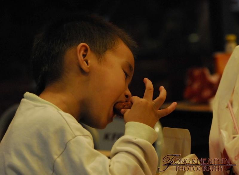 KFC , really lick finger .. ....... wkakakakaka _dsc0310