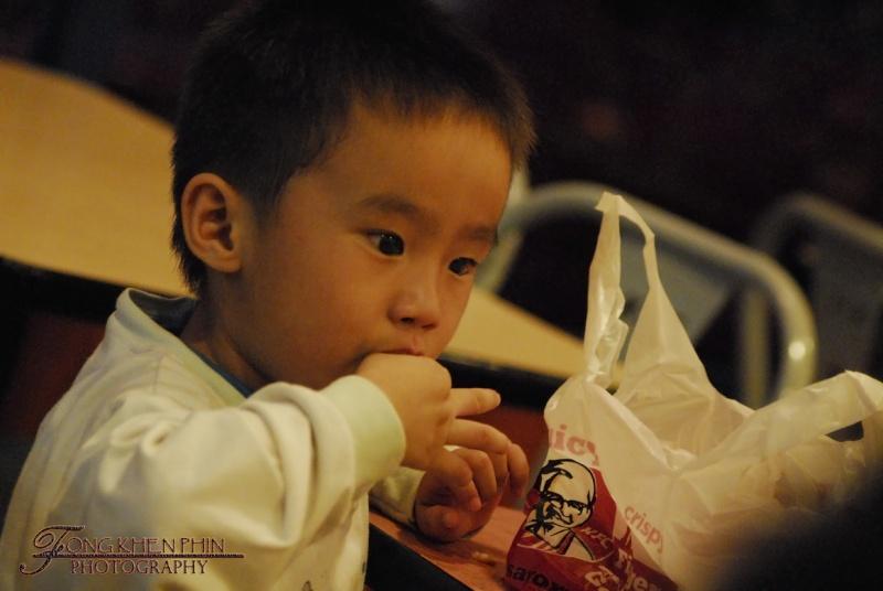 KFC , really lick finger .. ....... wkakakakaka _dsc0311