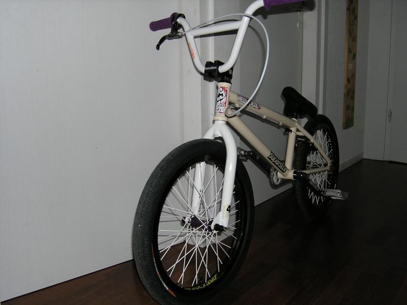 Photos de vos bikes,c'est ici! - Page 2 P1050012