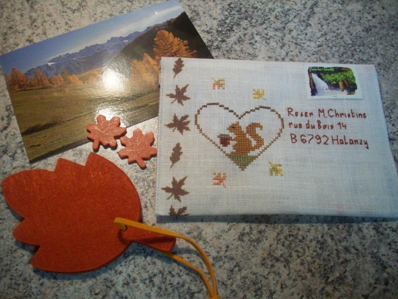 Photos des enveloppes brodées d'automne 103_0310