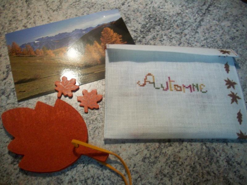 Photos des enveloppes brodées d'automne 103_0311